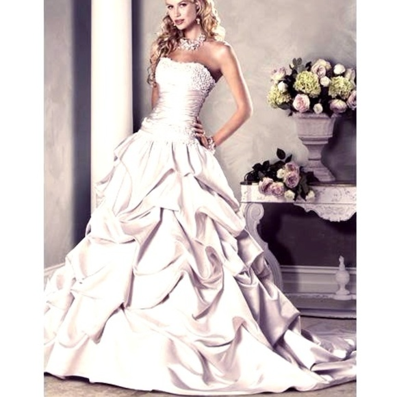 87c583c6f74cd MAGGIE SOTTERO Dresses & Skirts - MAGGIE SOTTERO BRIELLE WEDDING GOWN